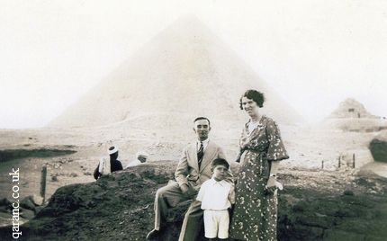 Egyptian Pyramids 1936 British Child with Parents