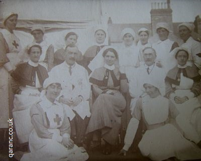 group photo WWI vad doctors qaimnsr nursing sisters